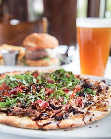 Brentwood, TN: Fig & Prosciutto Pizza