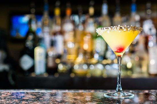 Harvey Cedars, Nueva Jersey: Happy Hour daily with specials