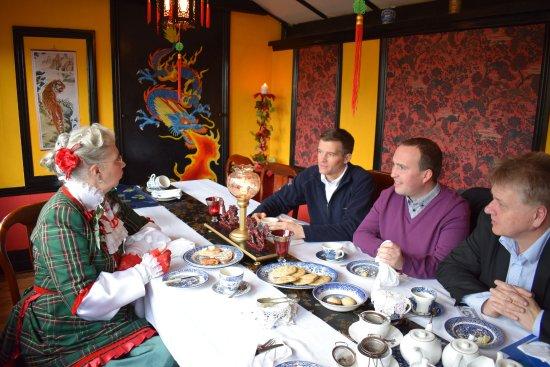 Drybrook, UK: Taking tea in style