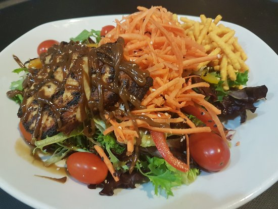 Boucherville, Kanada: Asian chicken salad