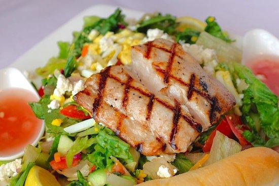 Lakeville, MN: Mahi Mahi Salad