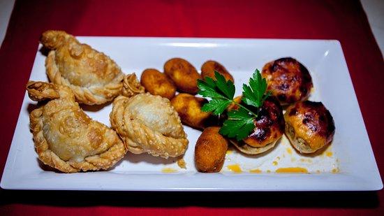 Bayside, NY: Empanadillas y Croquettes