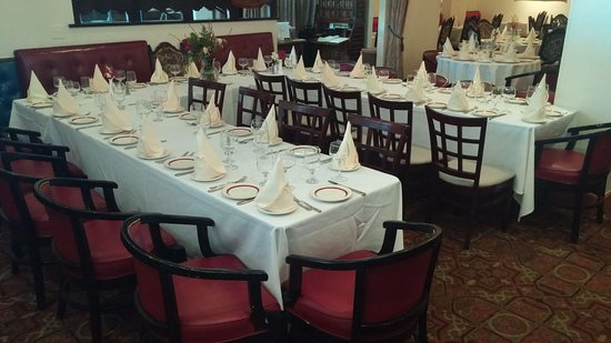 Bayside, NY: Small Conference & Dinner Table