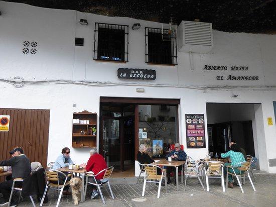 Bar-Restaurante La Escueva: Outside La Escueva.