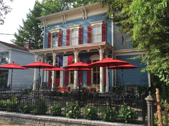 Schenectady, NY: View from Union street showing patio
