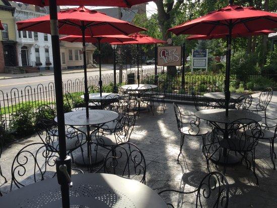 Schenectady, Estado de Nueva York: Detail of patio