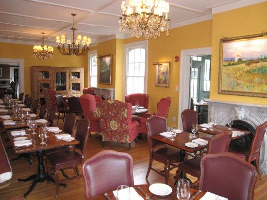 Schenectady, NY: Main dining room at an angle