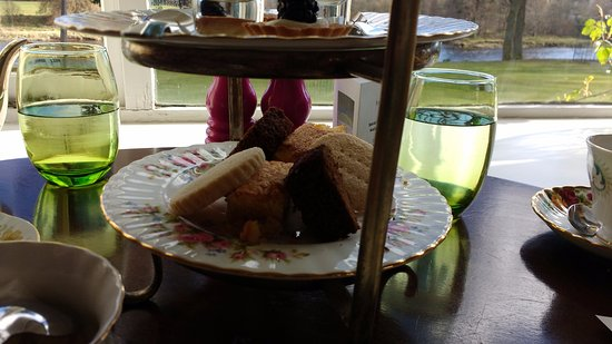 Inverurie, UK: afternoon tea