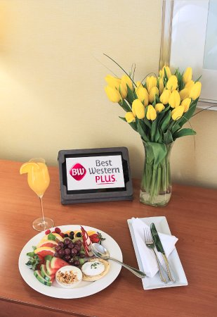 Best Western Plus Gatineau-Ottawa: Breakfast from O'Laurier Restaurant