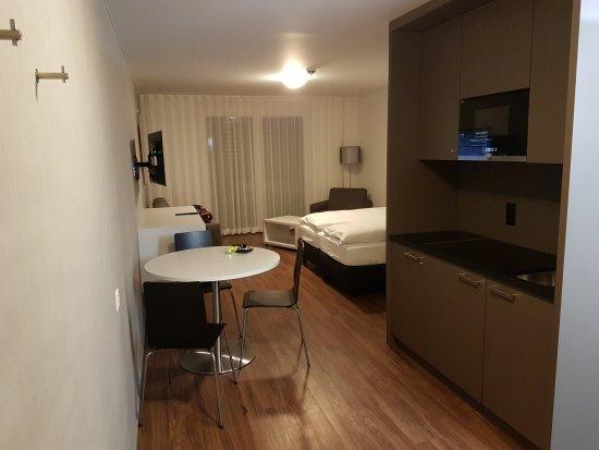Chambre double au 3e étage... tout est neuf !!! - Bild von ...