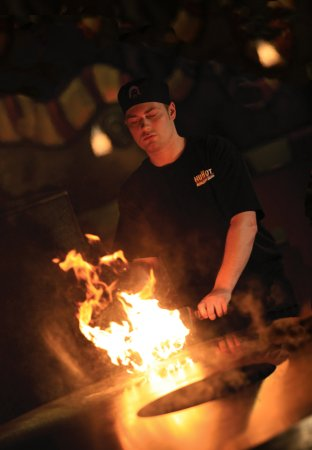 HuHot Mongolian Grill: Lighting up the grill...dinner AND entertainment!!