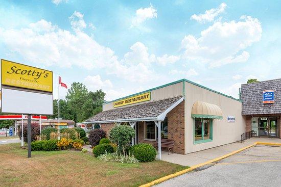 Tillsonburg, Canada: Scotty's Family Restaurant for homemade meals daily.