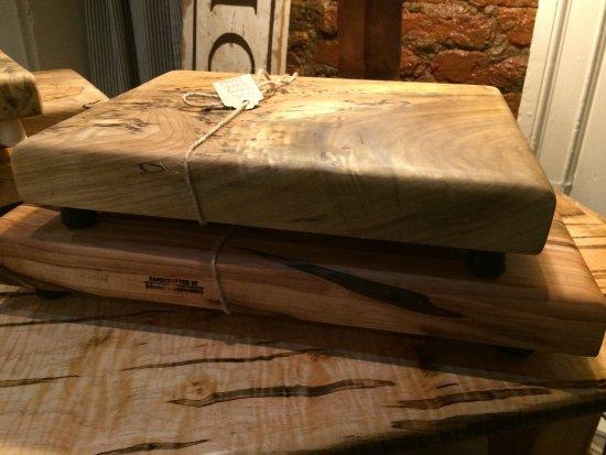 Warrenton, Βιρτζίνια: locally made cutting boards