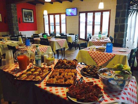 Riolunato, Italy: le colazioni per il B&B CASA BENASSI