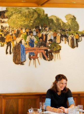 Chiusa, Italy: Malereien in der Schankstube
