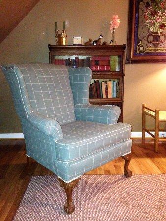 Warrenton, VA: upholstery service