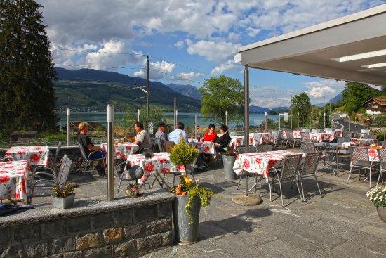Sachseln, Switzerland: Sicht auf den Sarnersee mit Pilatus