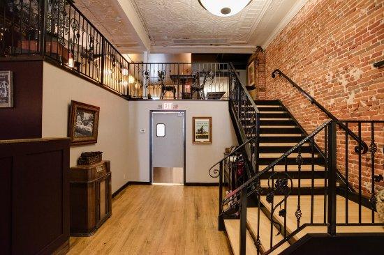 Winona, MN : Upstairs seating area of Oaks Wine Bar