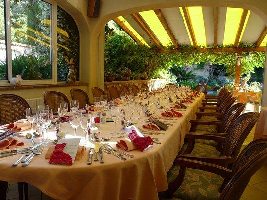Le Pradet, Frankrike: Repas de fête, anniversaire ,communion,baptême,séminaire