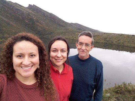 Cundinamarca Department, Kolumbien: Con mis hijas en la laguna intermedia, llamada Fausto.