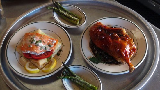 Grand Marais, MN: Salmon and Duck with grilled asparagus, yummy!