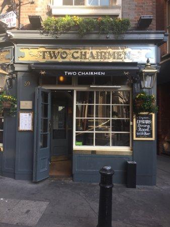 Two Chairmen Public House: photo4.jpg
