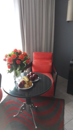 Le Meridien N'Fis: Thanks for flowers & fruit for our anniversary