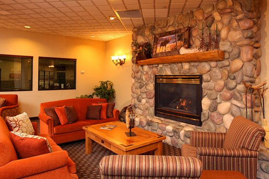 Hotel Lobby & Fireplace, Soft Seating - Picture of Hampton Inn ...