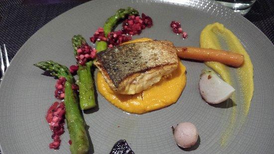 Le Baco Saveurs : saumon asperges sur lit de patate douce