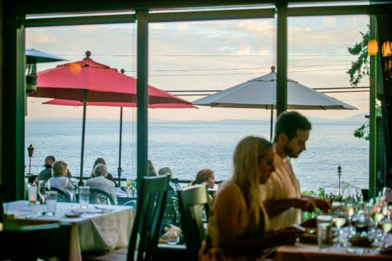 Gibsons, Canadá: Lovely Ocean views from our restaurant