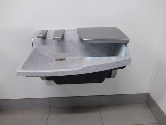 West Vancouver, Canadá: Interesting sink, soap and drier all in one