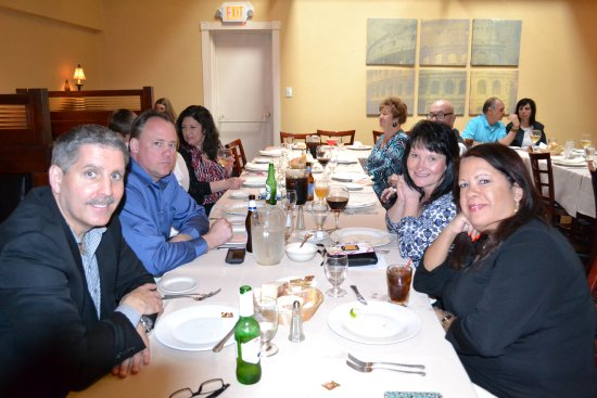 Bloomfield, Nueva Jersey: Enjoying family stlye dinner