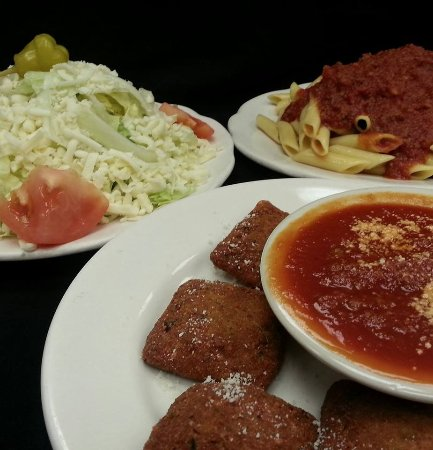 Saint Peters, MO: apps, salads and pastas