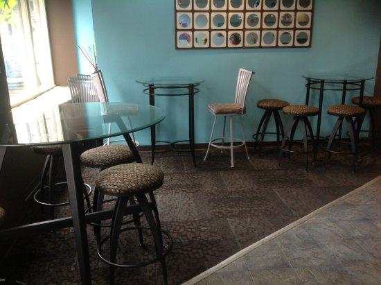 Lowell, MA: Lounge
