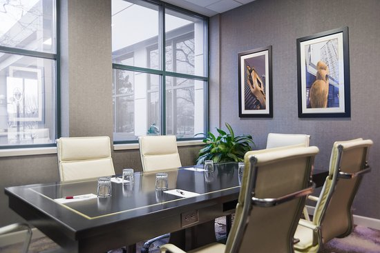 Deerfield, IL: Conference Room
