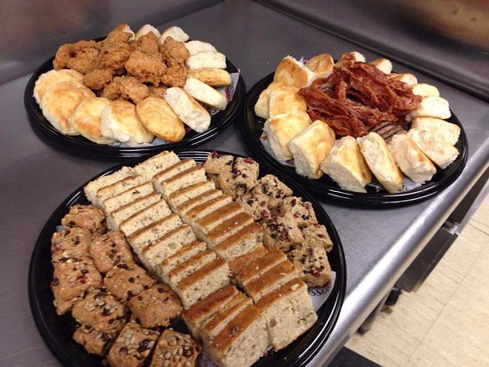 Crossroads Cafe: Party Platters avaliable