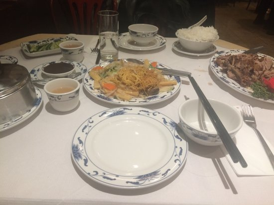 New Loon Fung : Very fast serving and friendly. Also good food