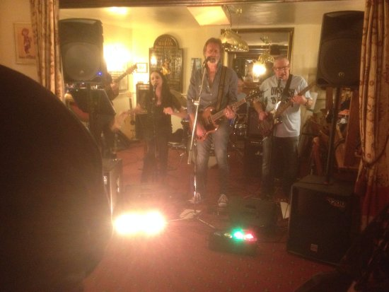 Ilminster, UK: Regular live music