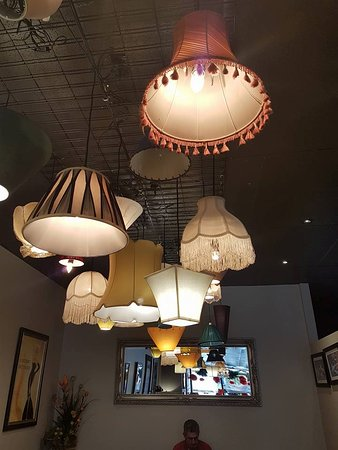 Rustik Cafe Wine Bar: Quirky light fittings gives a great atmosphere to the restaurant.