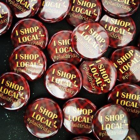 "Jackson, كاليفورنيا: ""I Shop Local"" pins."