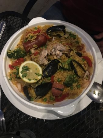 Sabor Latin Bar & Grill: The delicious paella - enough for two!