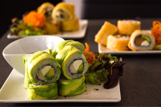 Avocado roll y chicken hot roll picture of magno sushi pizza la magno sushi pizza avocado roll y chicken hot roll sciox Images