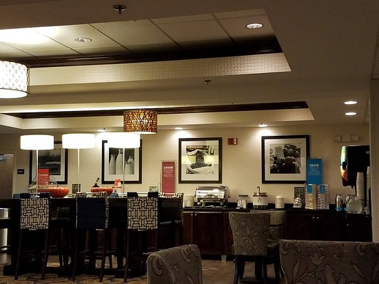 Hampton Inn Bristol: 20170324_074153_large.jpg