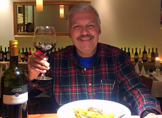Kelsterbach, Niemcy: The old boy at the end of a great meal and a yummy Primitivo at Zum Treffpunkt.