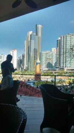 Plaza Paitilla Inn: Vista da área externa do café da manhã