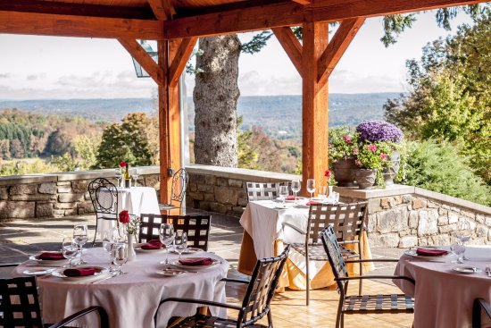 South Sterling, Pensilvanya: Fabulous al Fresco dining with a 30+ mile view