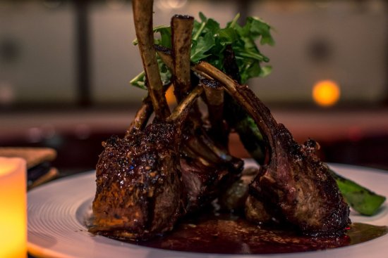 Valley Stream, NY: Onion Crusted Rack of Lamb, Roasted Fingerlings & Grilled Asparagus