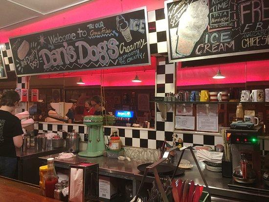 Servers Area Picture Of Dans Dogs Medina Tripadvisor