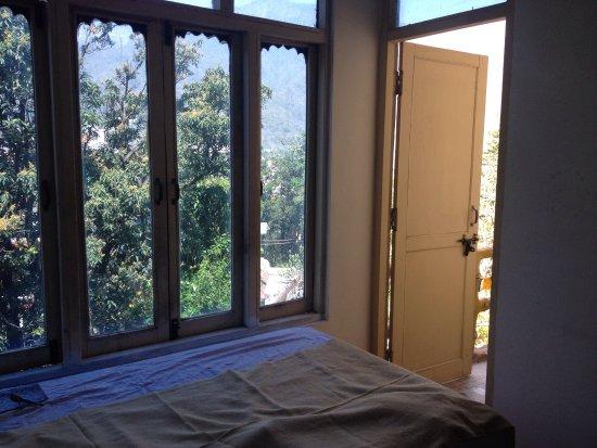 Beautiful setting & rooms