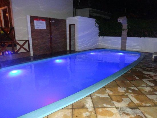 Ilumina o da piscina a noite picture of pousada do for Iluminacao na piscina e perigoso